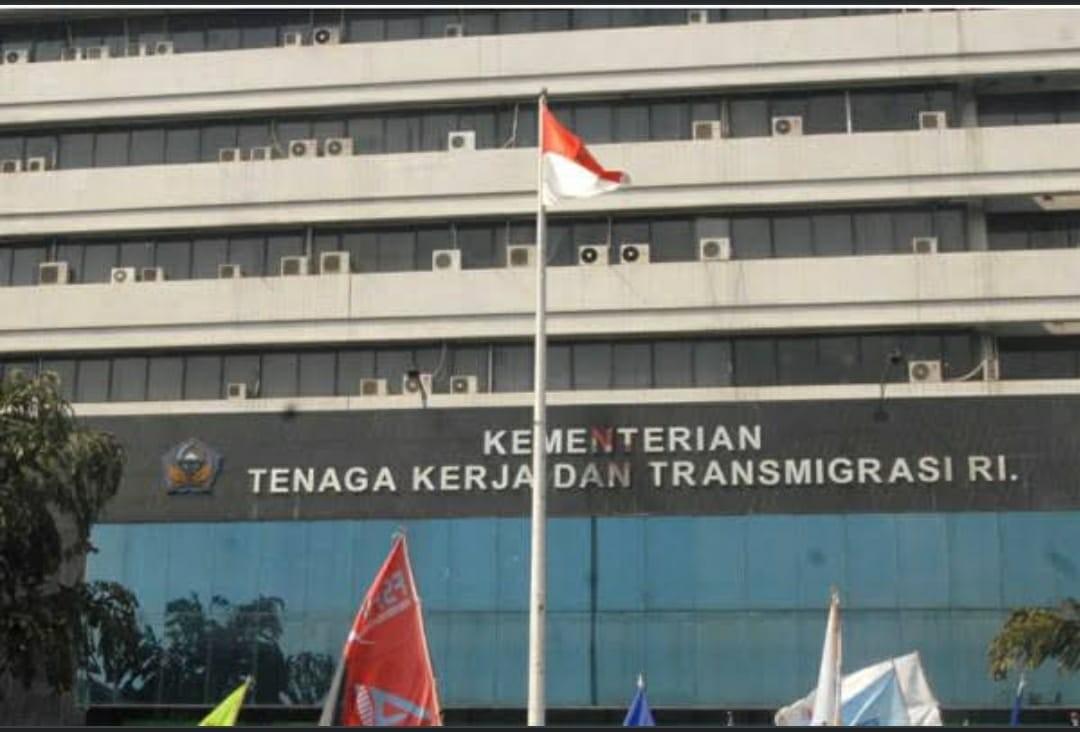 Kontribusi Pekerja migran Indonesia terhadap Devisa Negara.